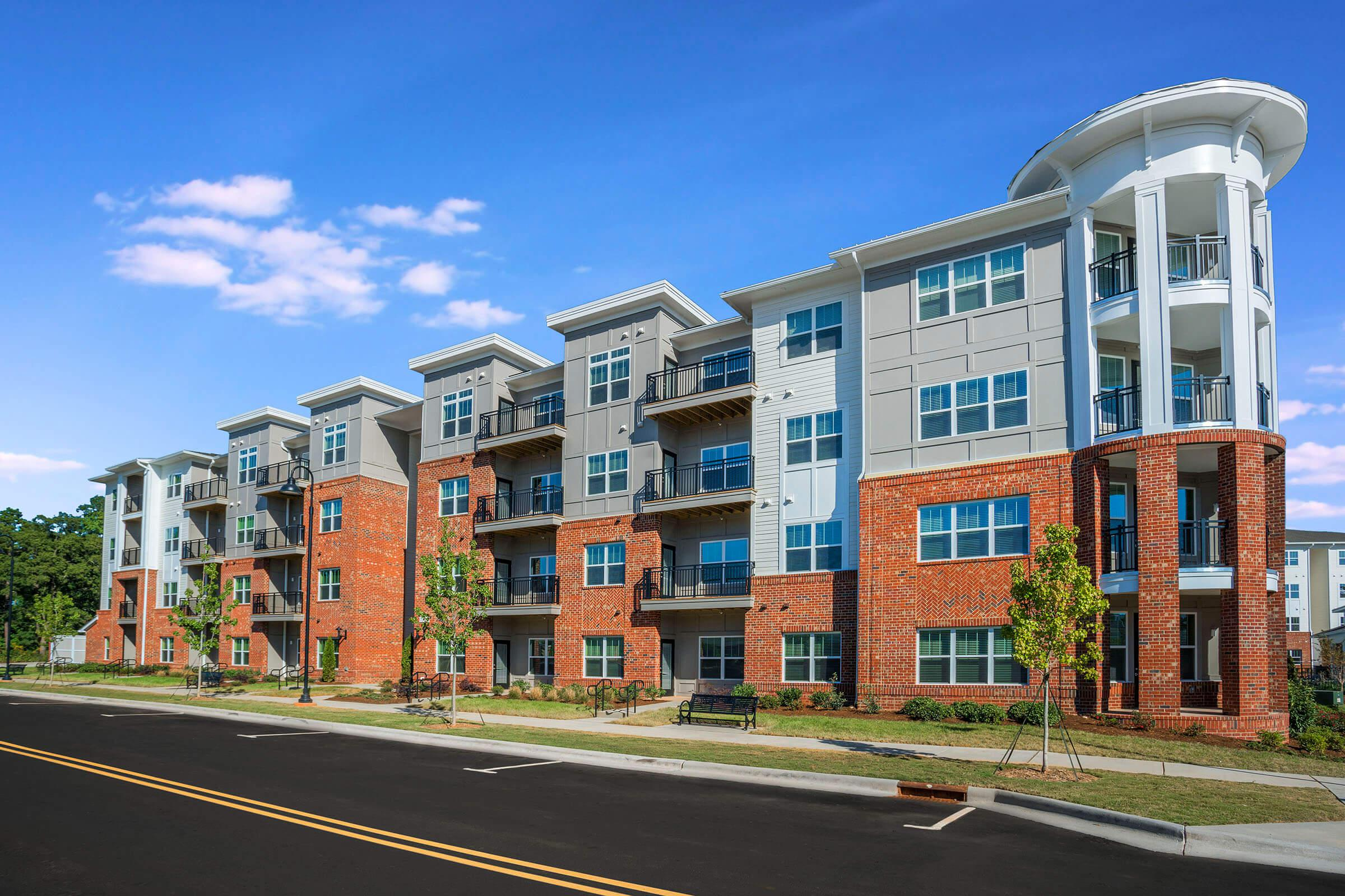 PROSPERITY-VILLAGE-APARTMENTS-CHARLOTTE-NC-EXTERIOR-07.jpg