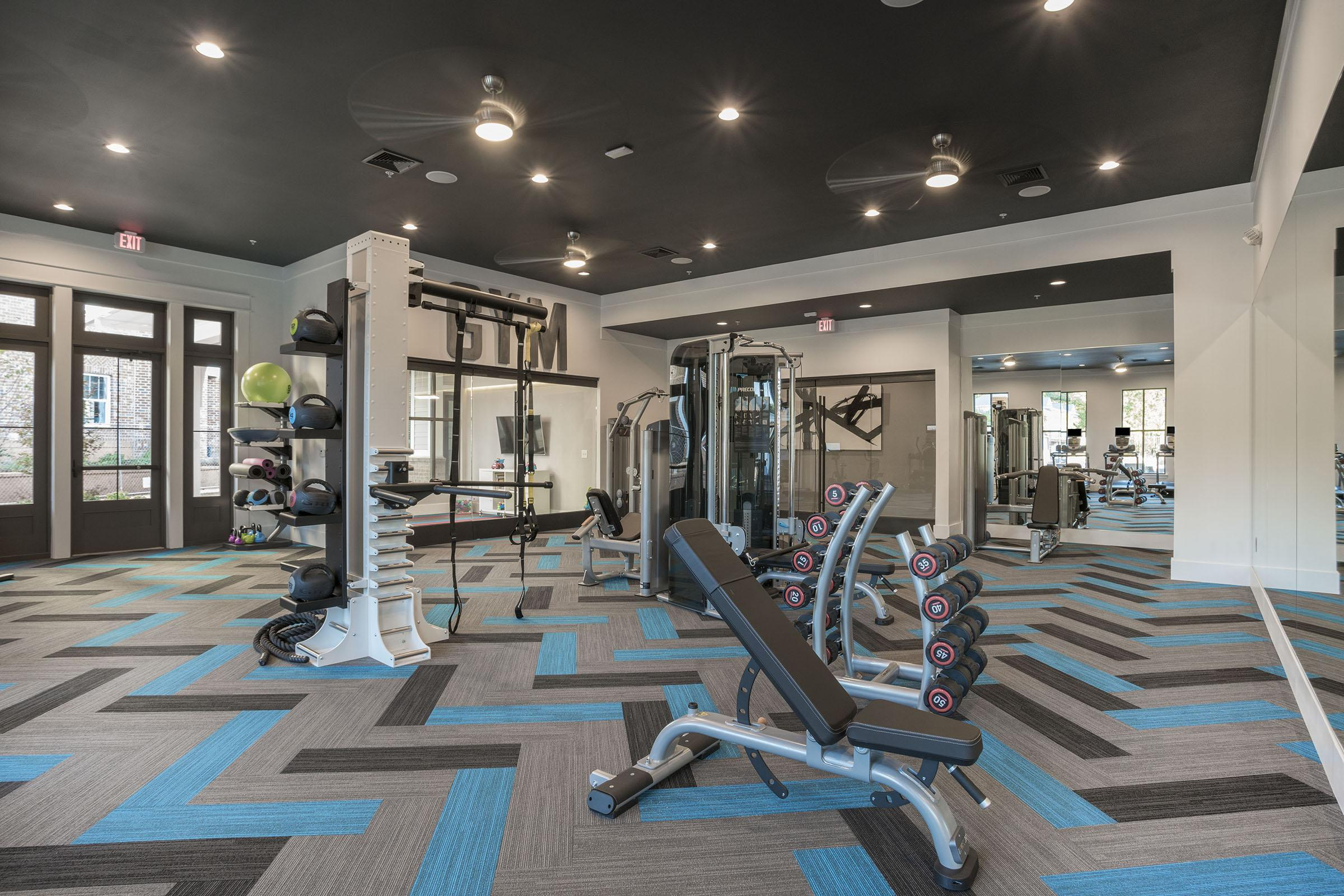 PROSPERITY-VILLAGE-APARTMENTS-CHARLOTTE-NC-FITNESS-CENTER-02.jpg