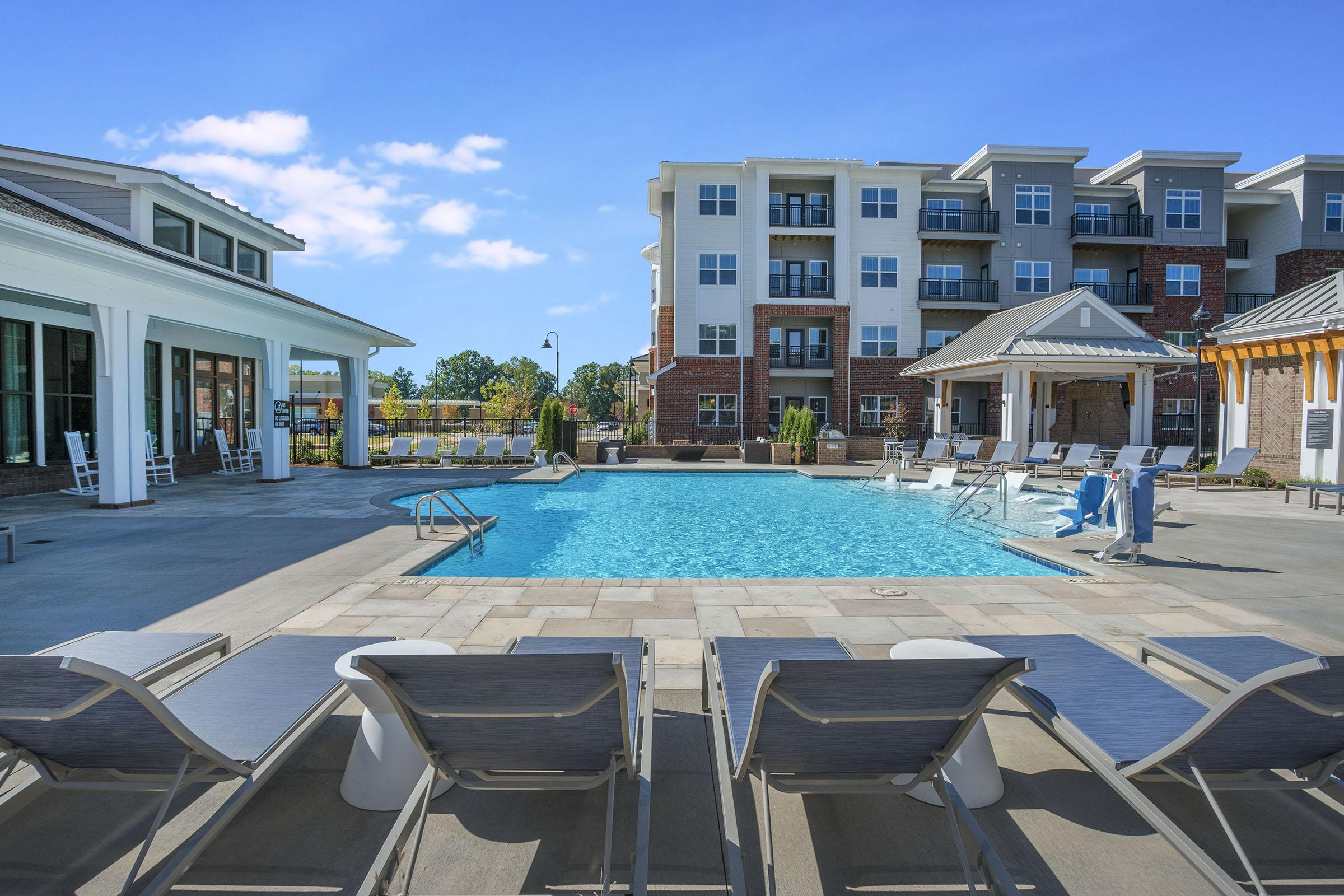 PROSPERITY-VILLAGE-APARTMENTS-CHARLOTTE-NC-POOL-02.jpg