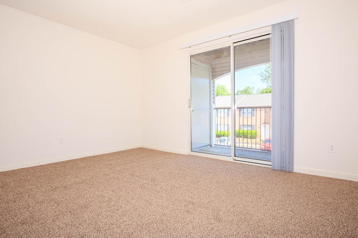 Plush Carpets at Cedar Pointe Apartments in Colombia, Tennessee