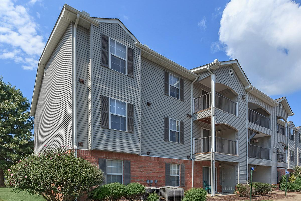 beautiful balconies at Cedar Pointe Apartments in Colombia, Tennessee