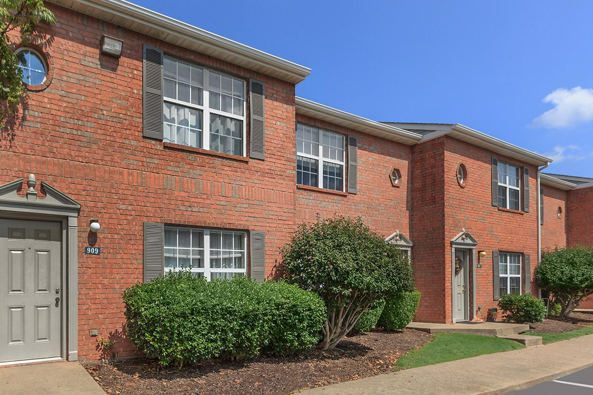 charming brick exterior at Cedar Pointe Apartments in Colombia, Tennessee