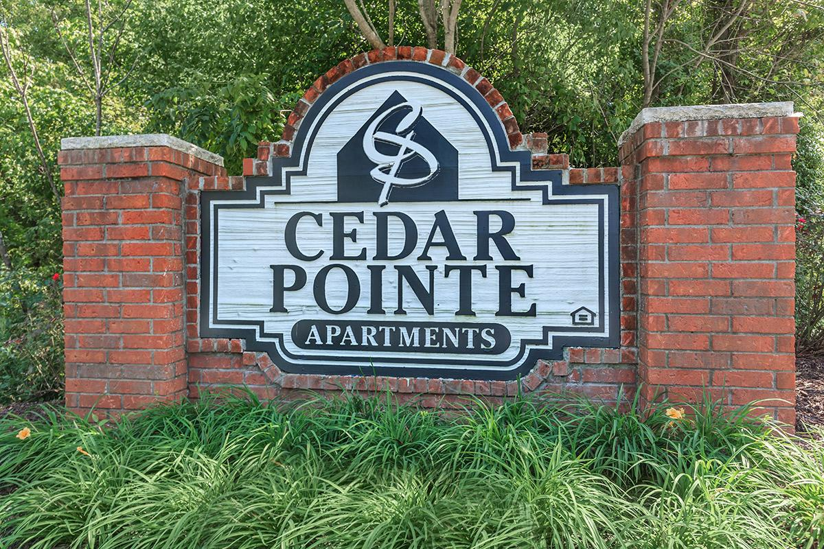 monumnent signage at Cedar Pointe Apartments in Colombia, Tennessee