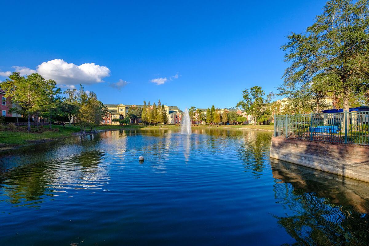 Victoria-Landing-Lake-and-Fountain-4.jpg