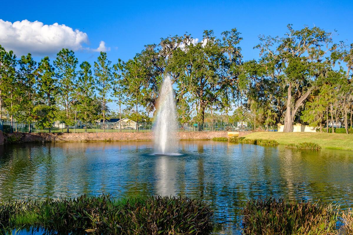 Victoria-Landing-Lake-and-Fountain.jpg