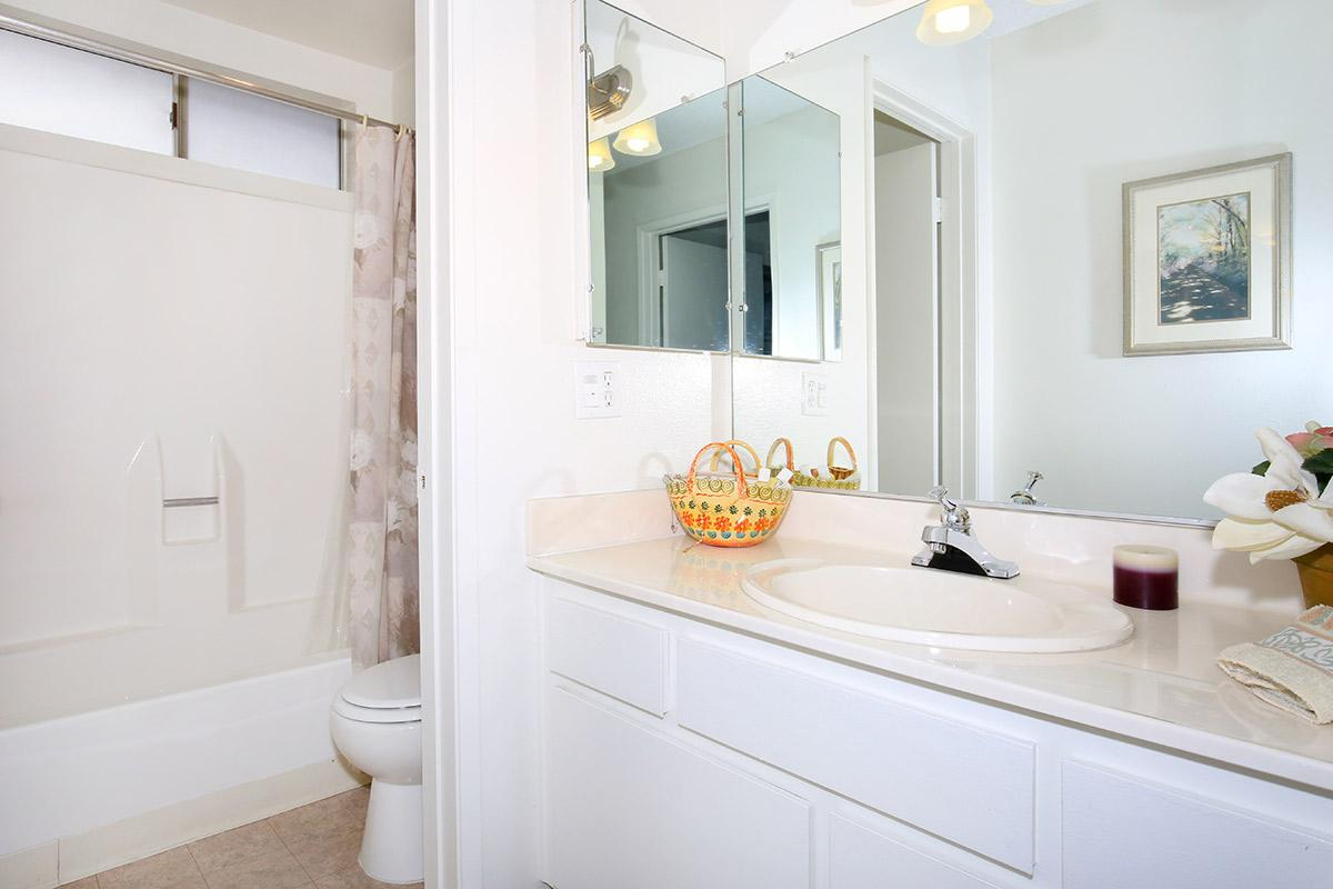 1bed1bathcbathroom.jpg