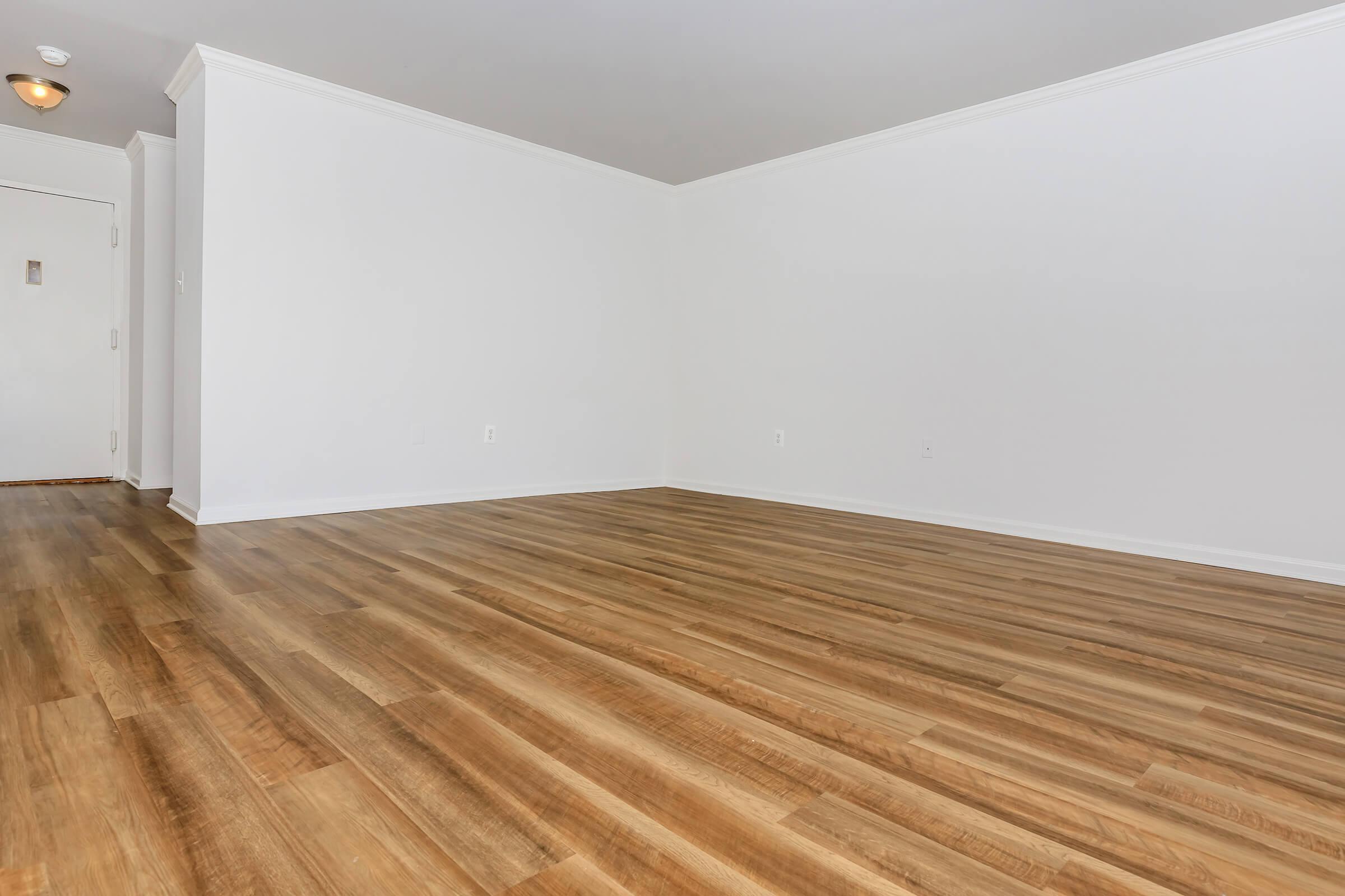 Room at Whitestoneat Landmark in Alexandria R