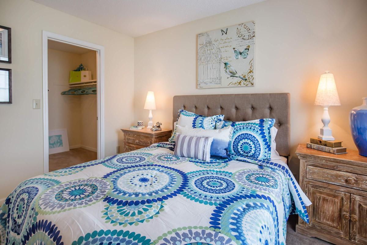 Another picture of the bedroom at The Dogwood in Ashwood Cove