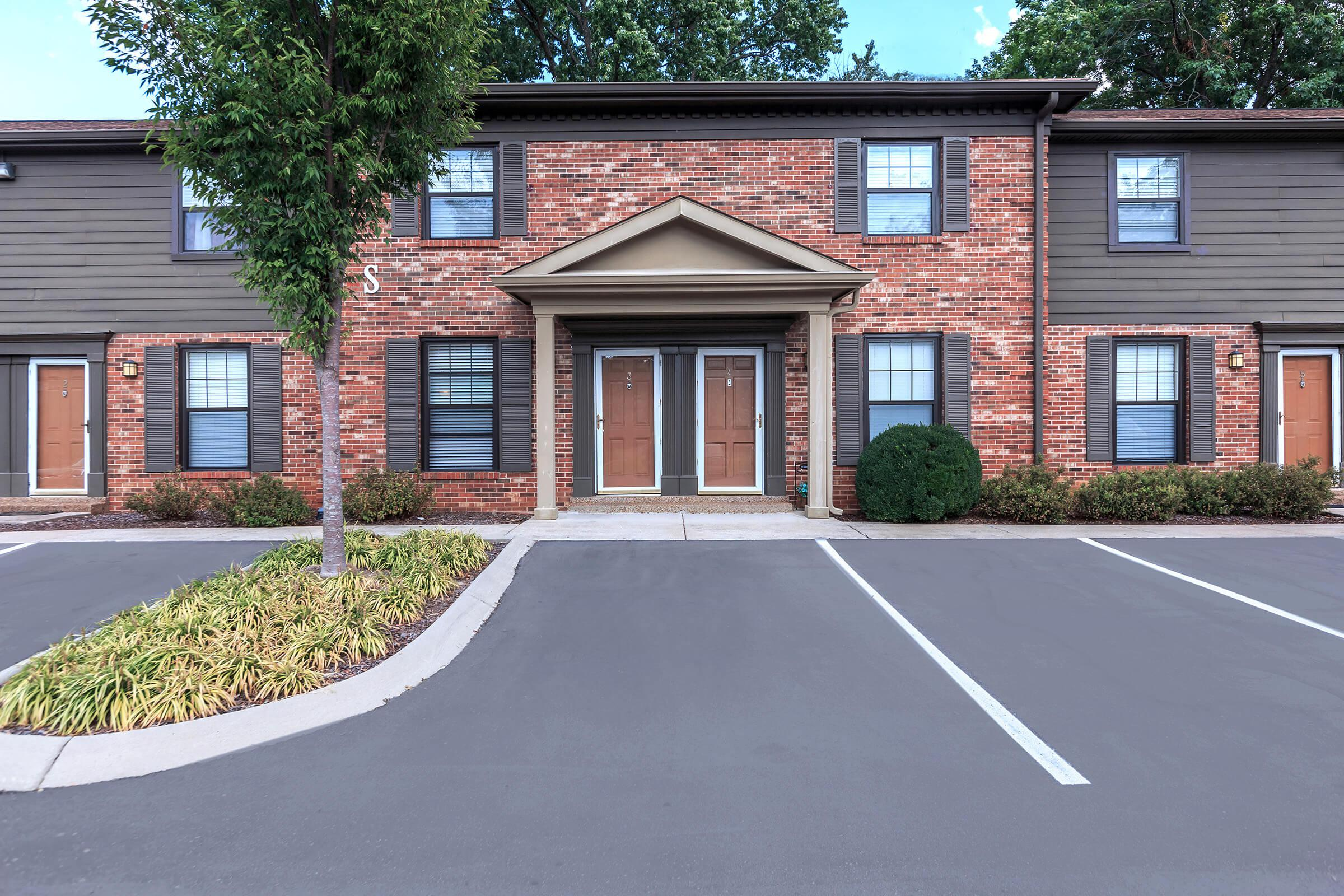 Ample Parking Here at Colony House Apartments For Rent In Murfreesboro, Tennessee
