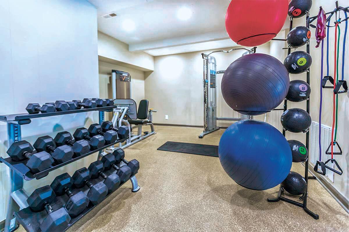 FitnessCenter01.jpg