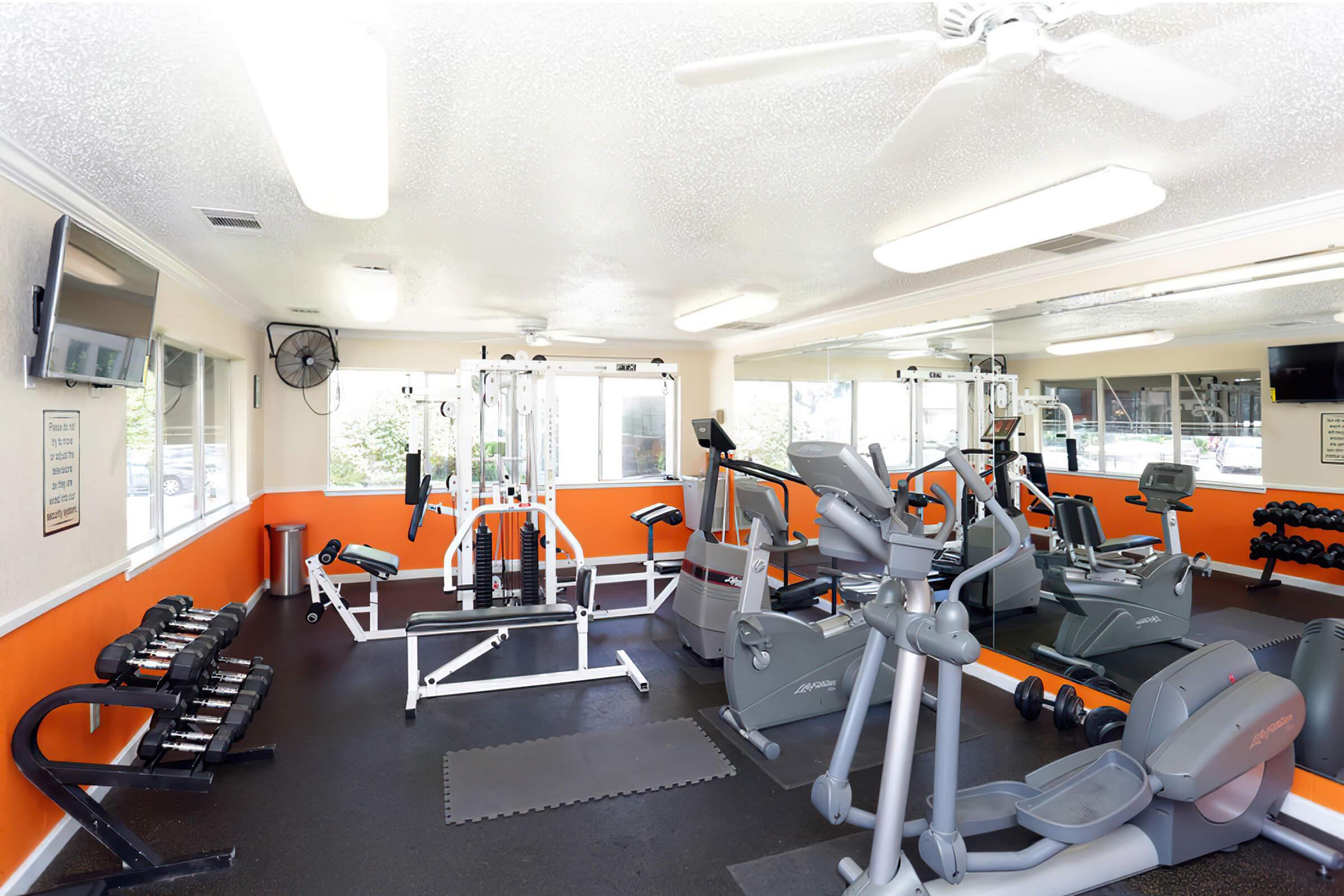 gym-width-2400px.jpg