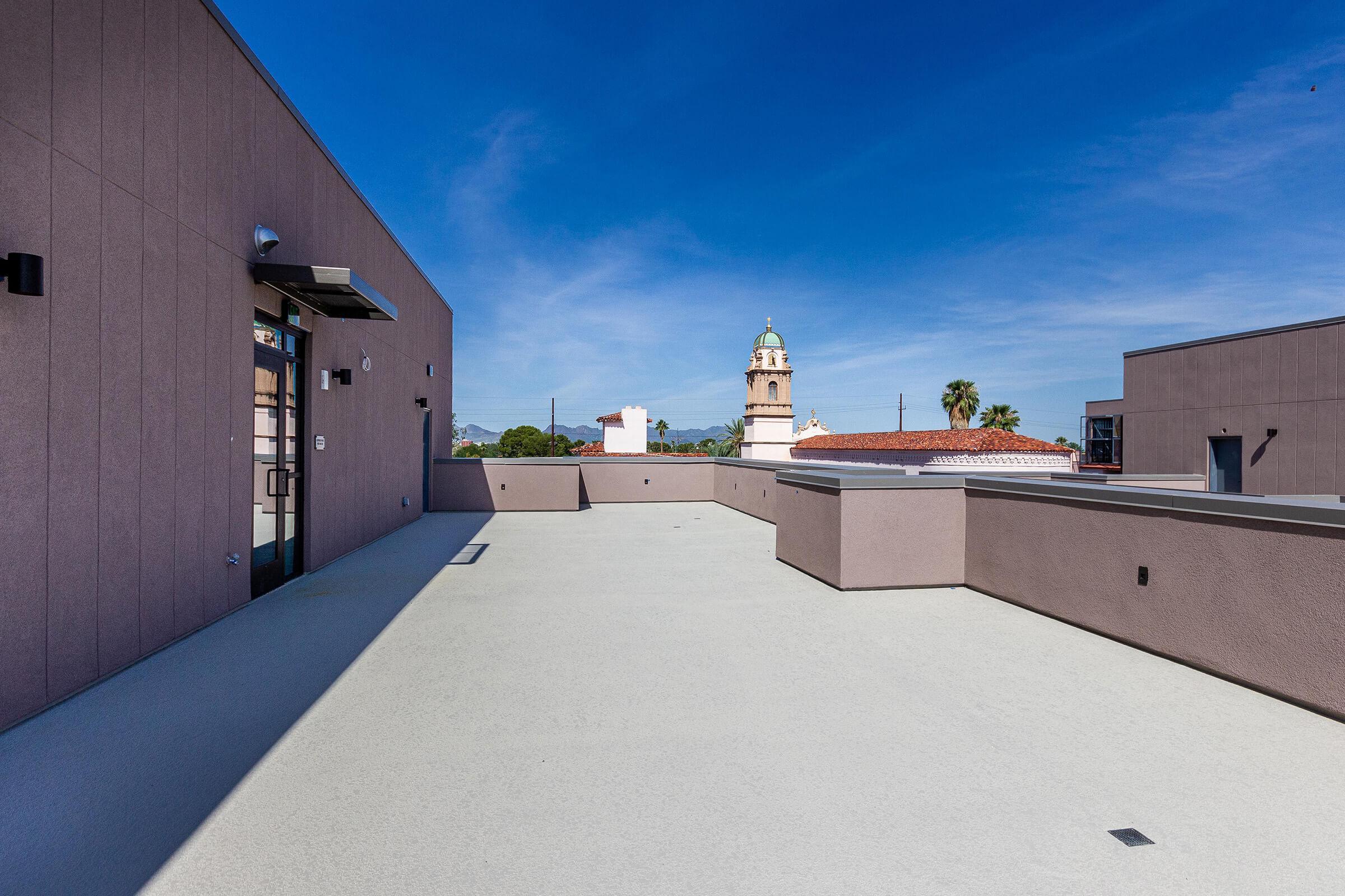 Roof Top Patio 1.jpg