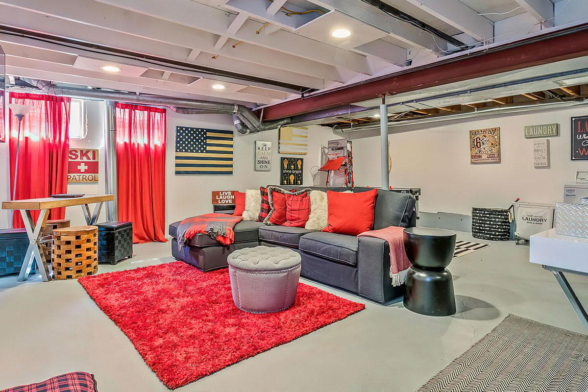 Common Room at Stratus Townhomes, Apartments in  Westminster, CO