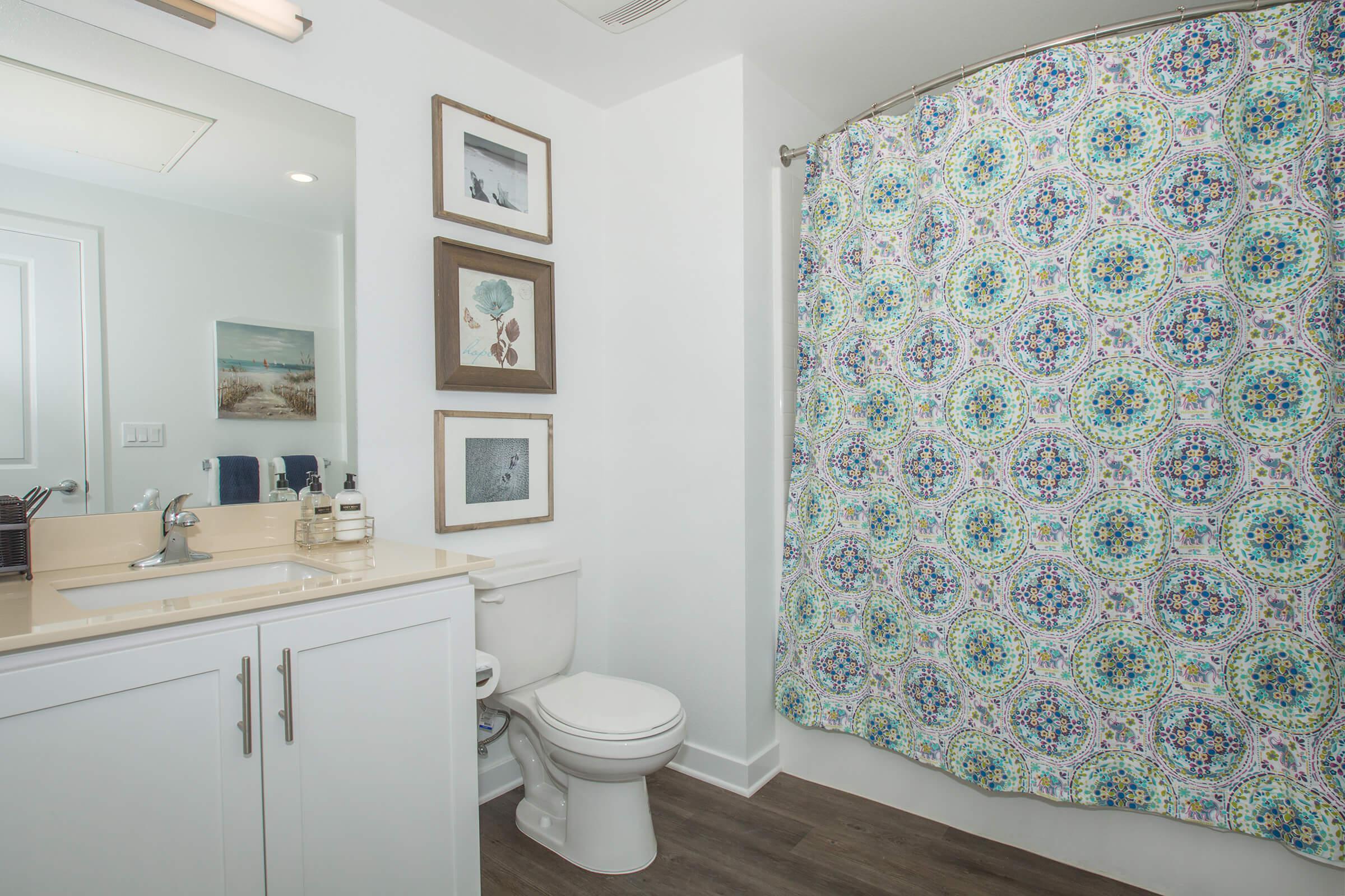05a Bathroom.jpg