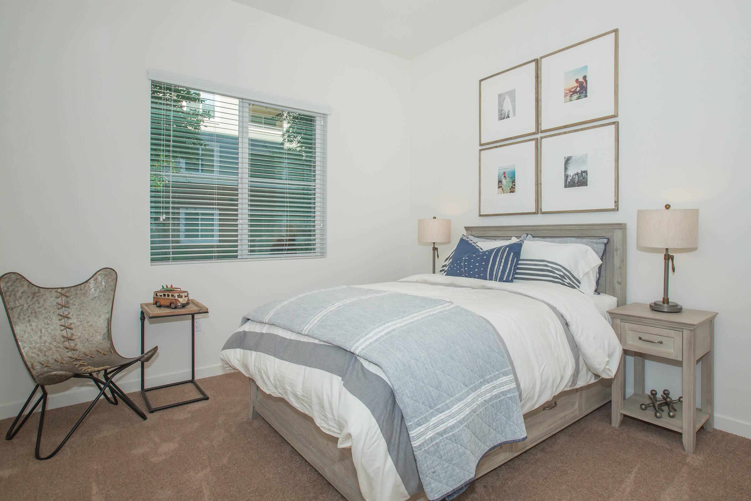 05a second bedroom.jpg