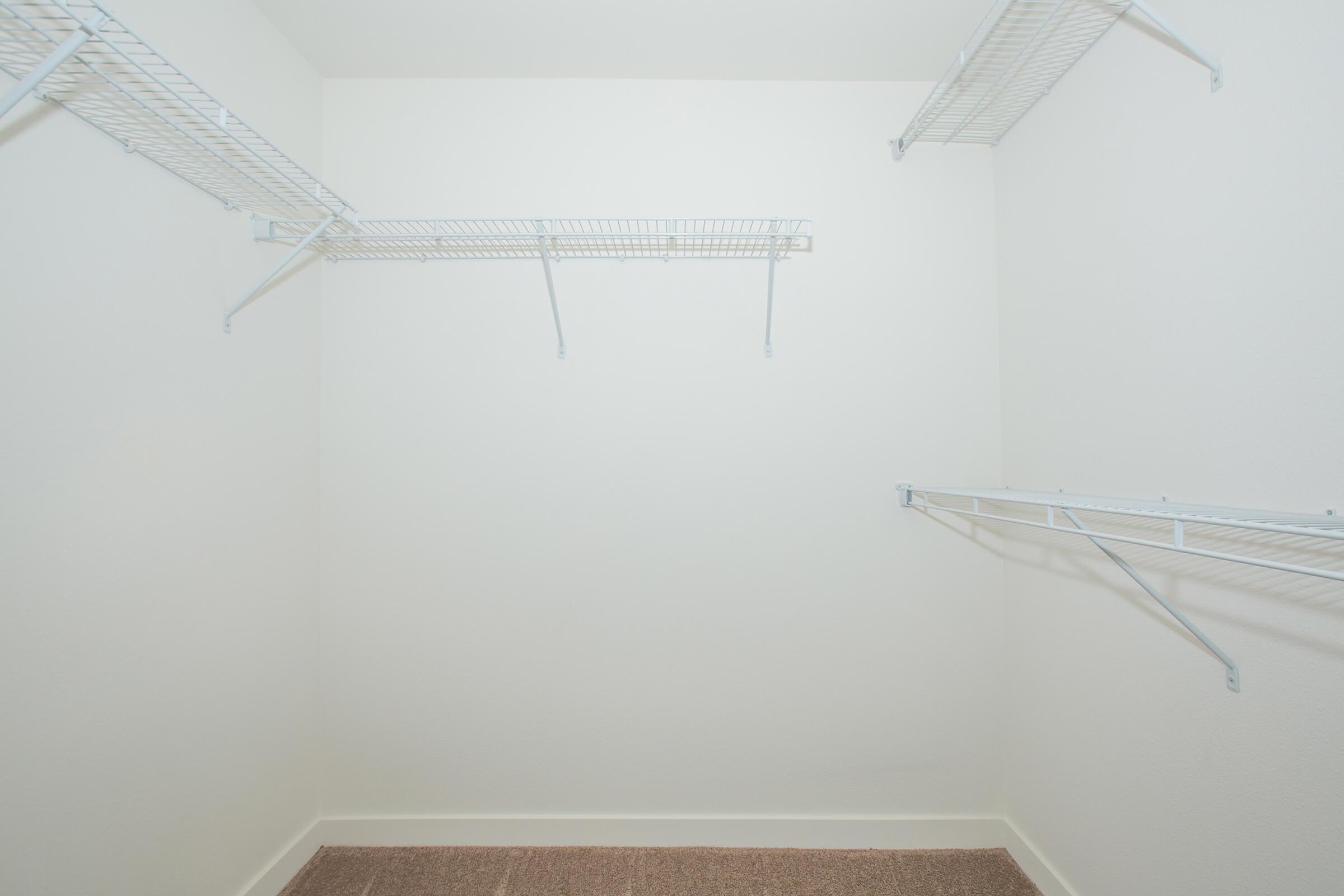06c closet.jpg