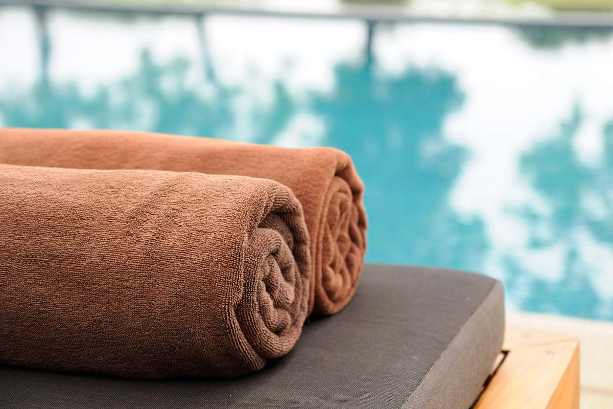 brown towels iStock_000016892355_Large.jpg