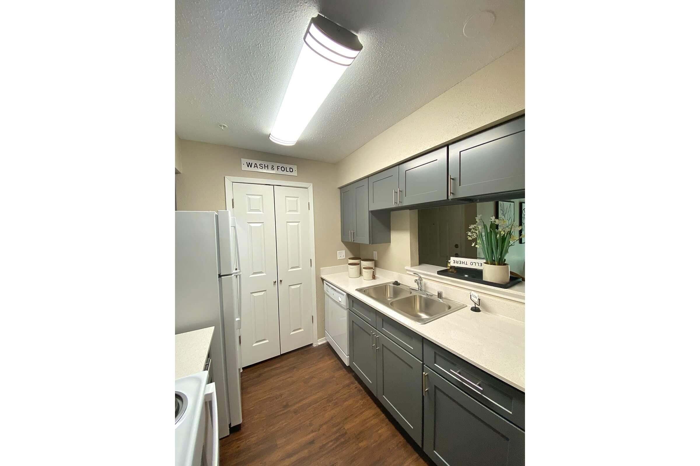 333 holly kitchen enh.jpg