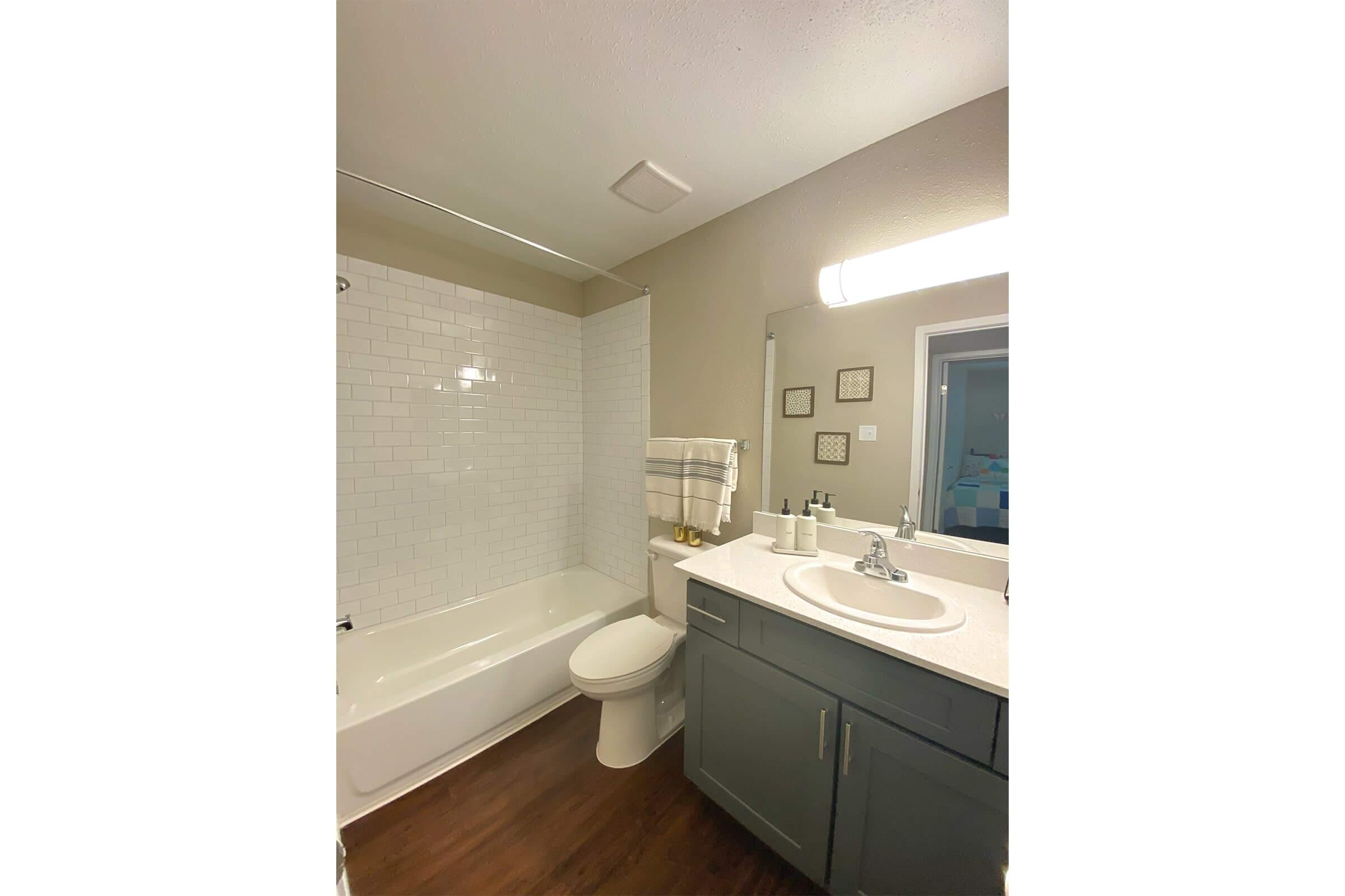 333 holly master bathroom enh.jpg