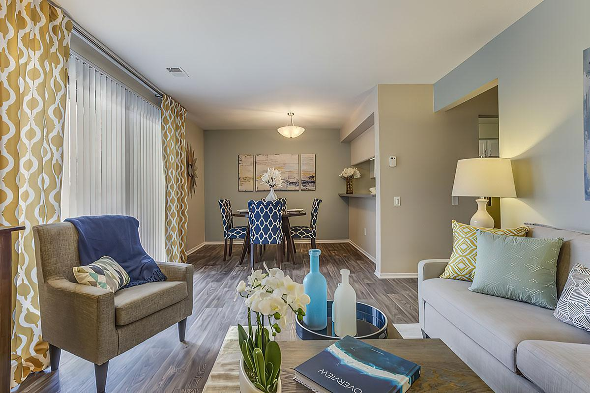 LEARN TO LIVE A LIFE OF LUXURY AT SPRING VALLEY APARTMENT HOMES