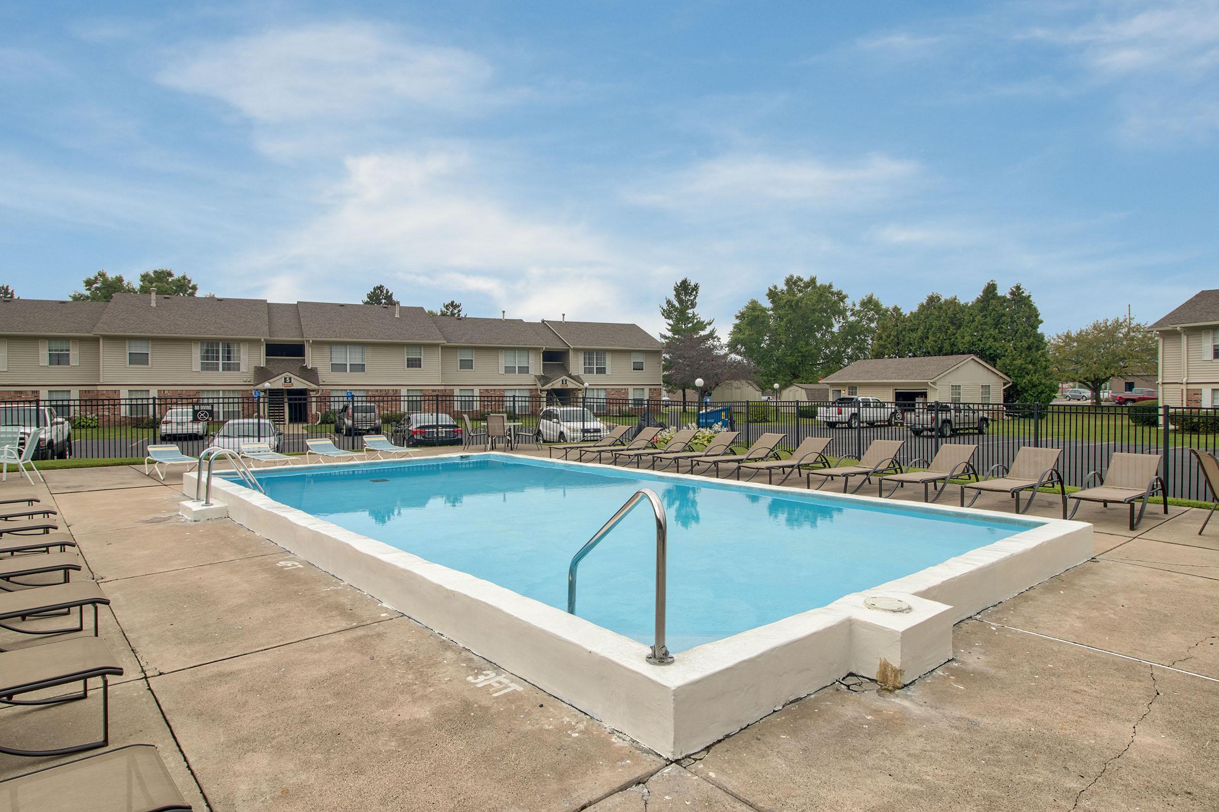 Pool_Village-Green_1700-N-Wayne-St-Angola-IN_RPI_II-289669_01.jpg