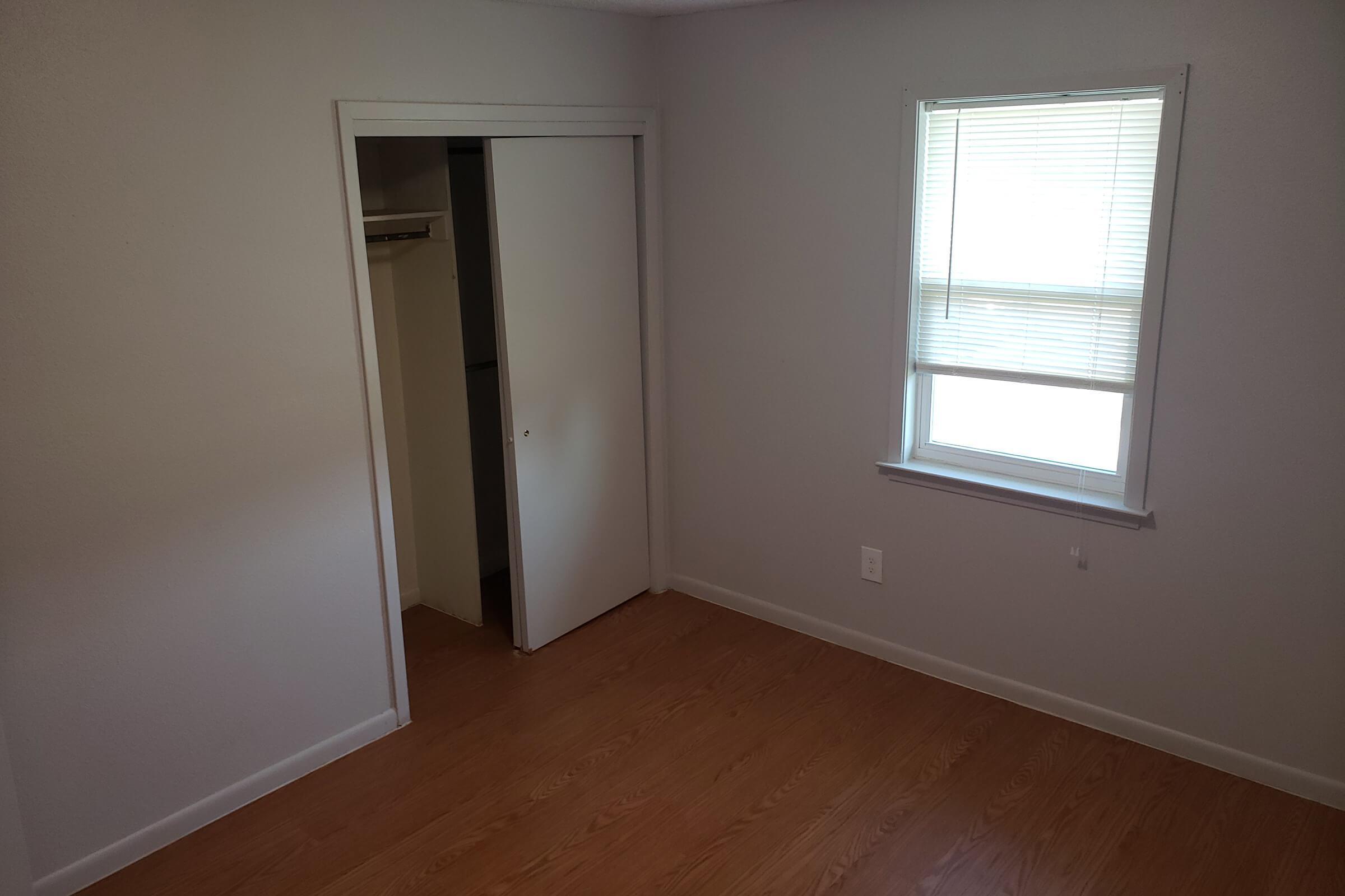 1x1 bedroom.jpg