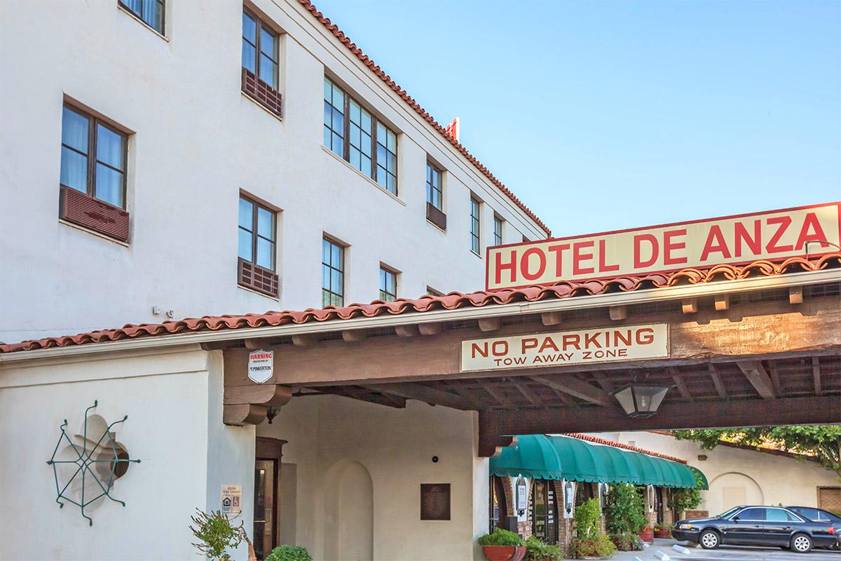 Picture of De Anza Hotel