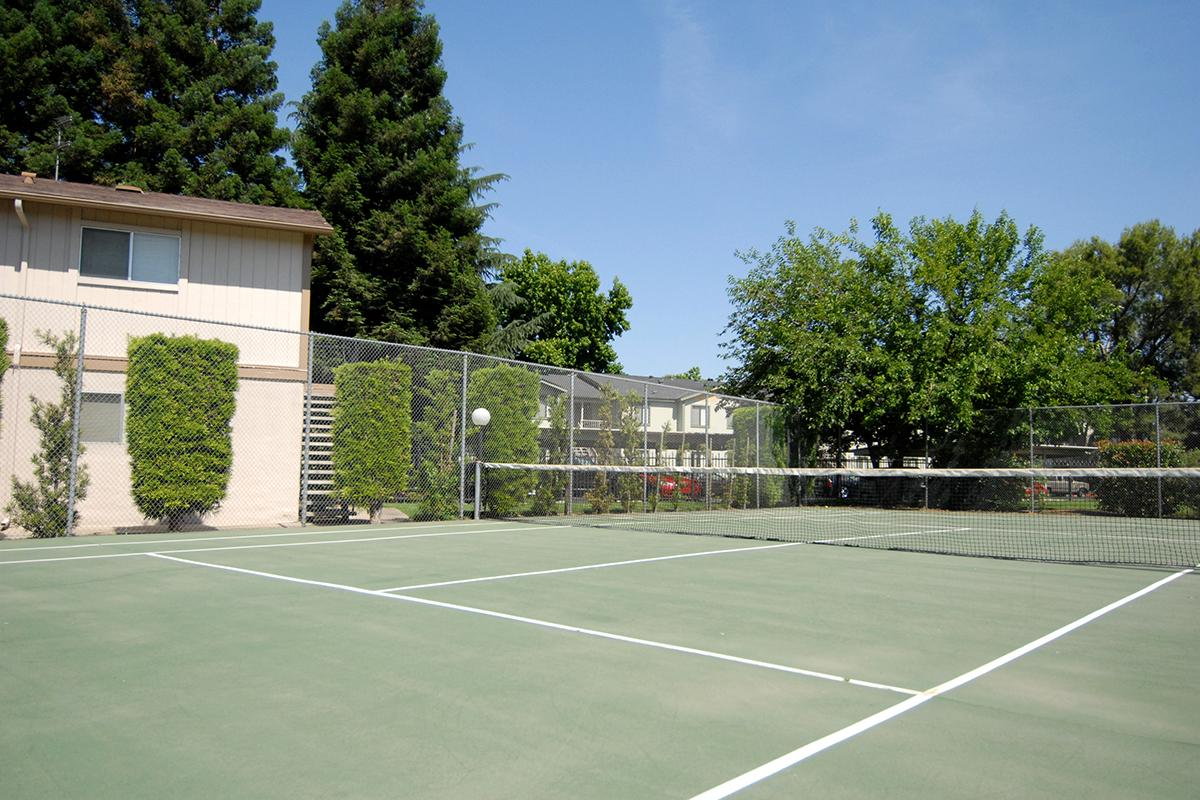 Valley View Apartment Homes has a tennis court