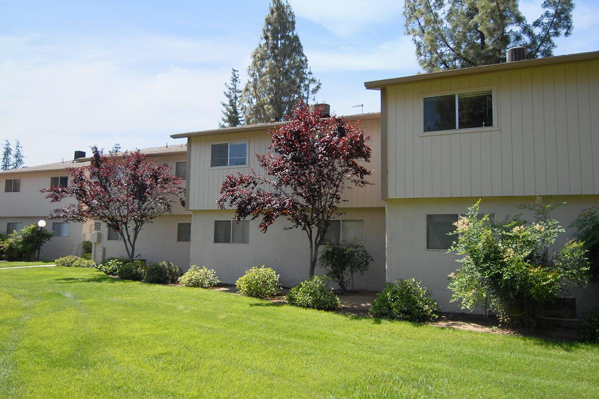 Valley View Apartment Homes has beautiful landscaping