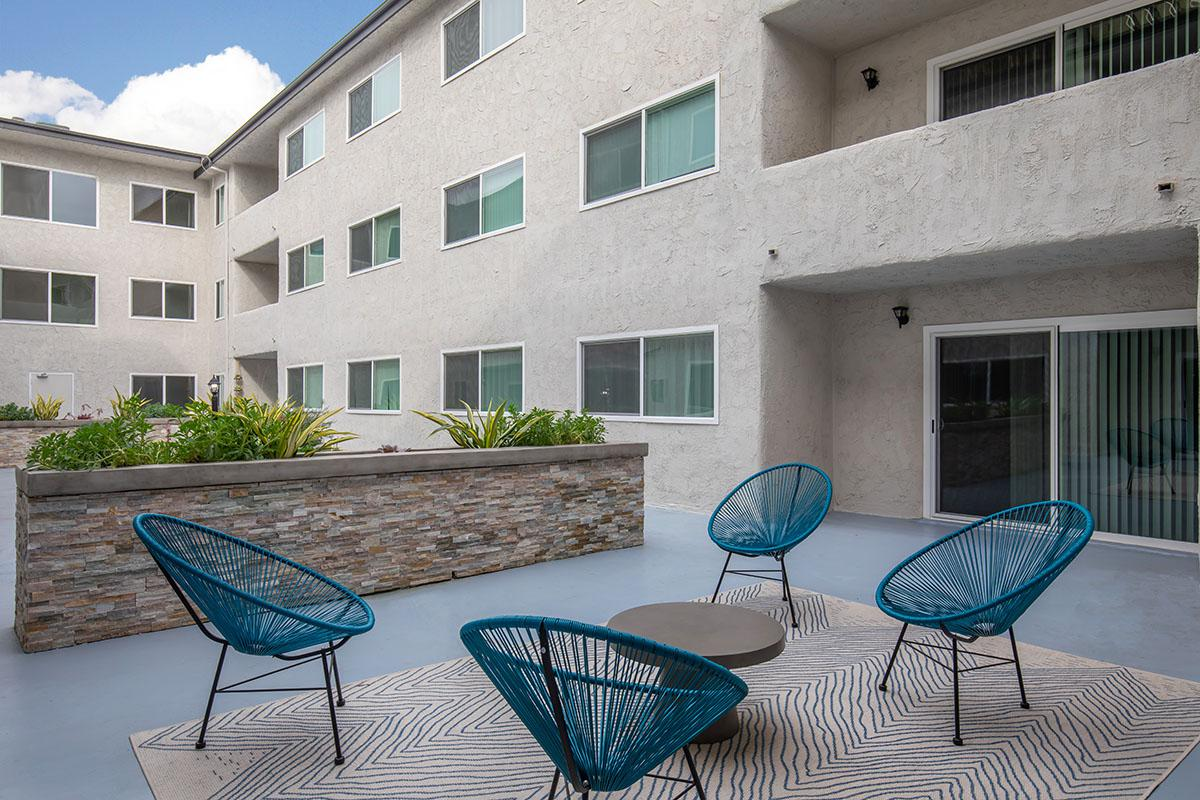 Relax in the courtyard at720 Louise
