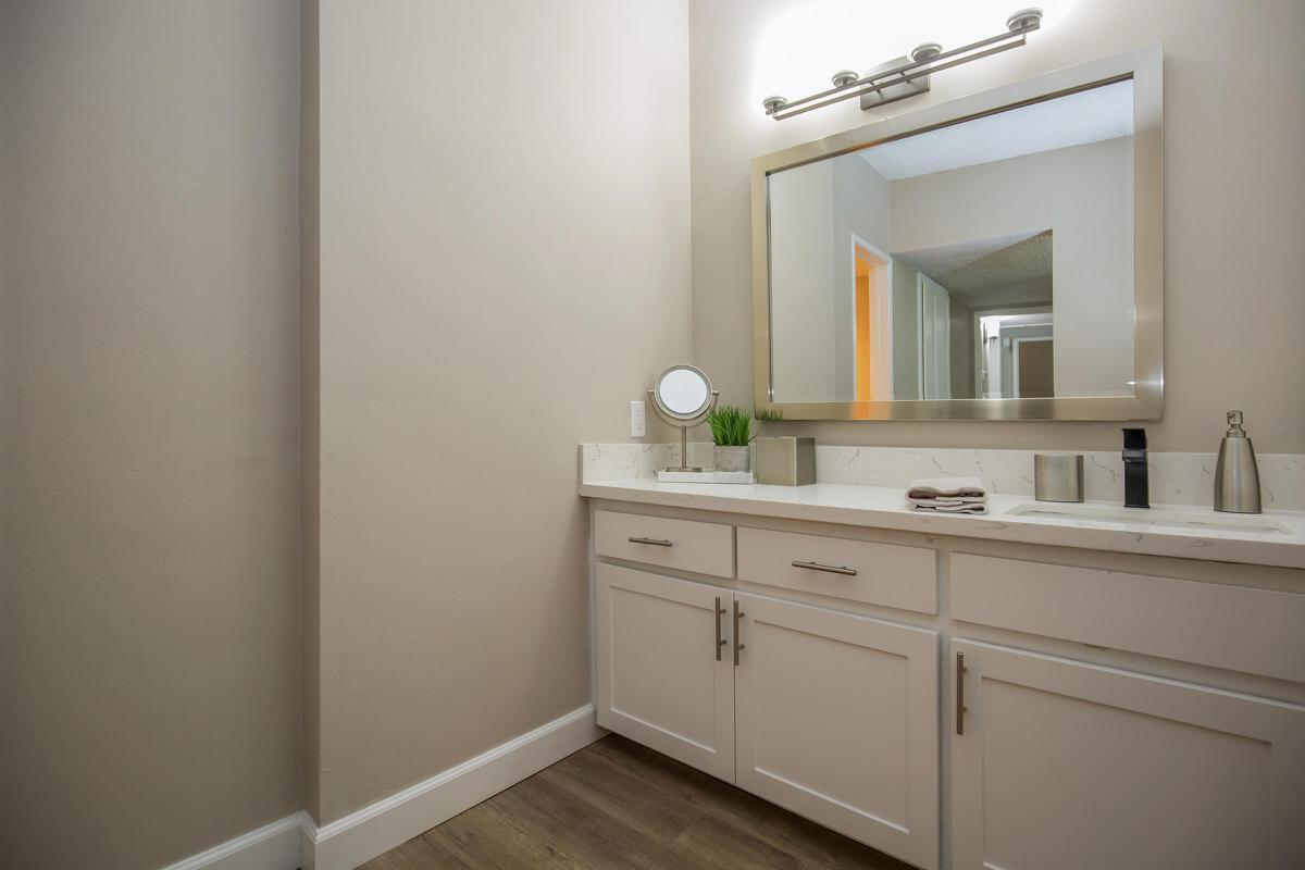 Modern bathrooms in Glendale, CA