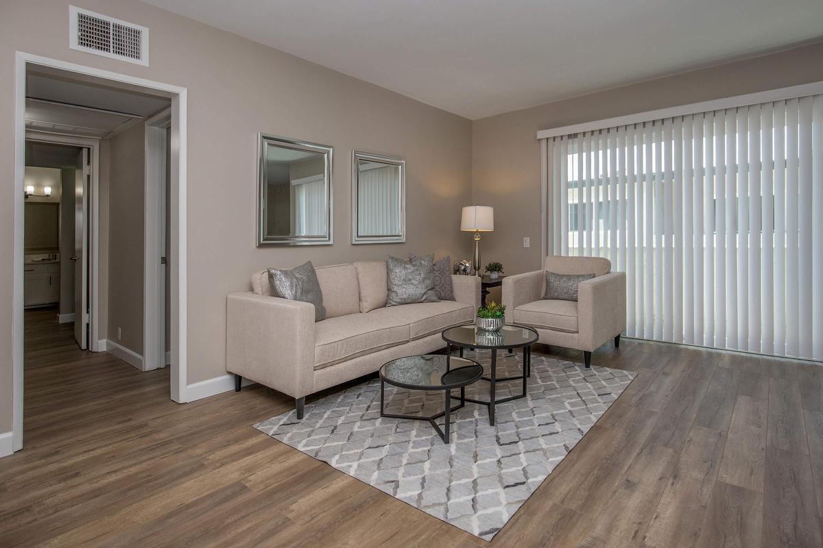 Spacious living room in Glendale, CA