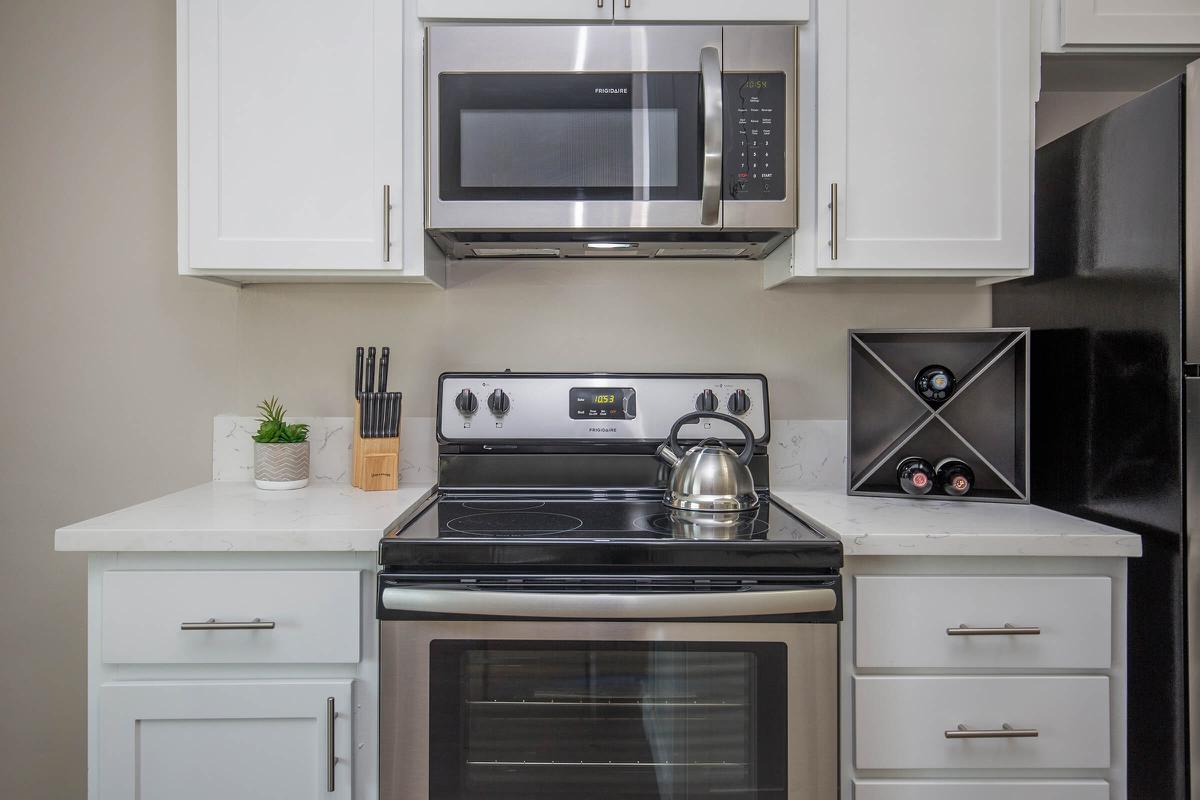 Stainless steel appliances at 720 Louise
