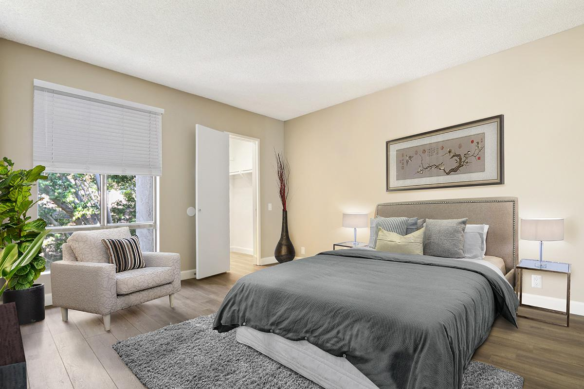 Open and airy bedrooms at 720 Louise