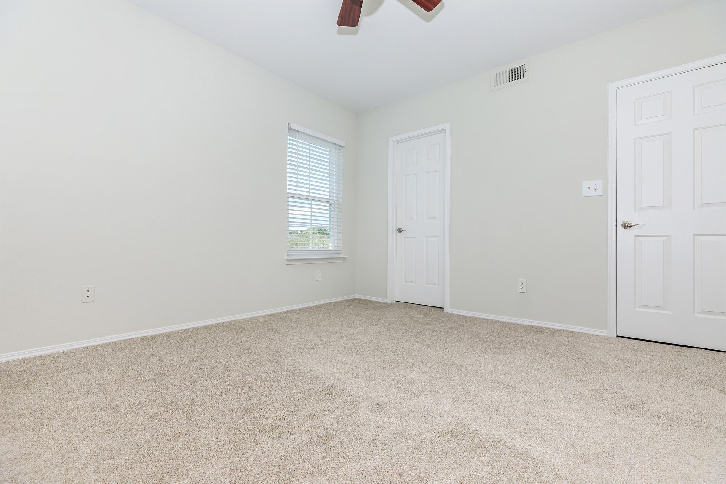 Room at The Ridgeleigh at Van Dorn in Alexandria, VA