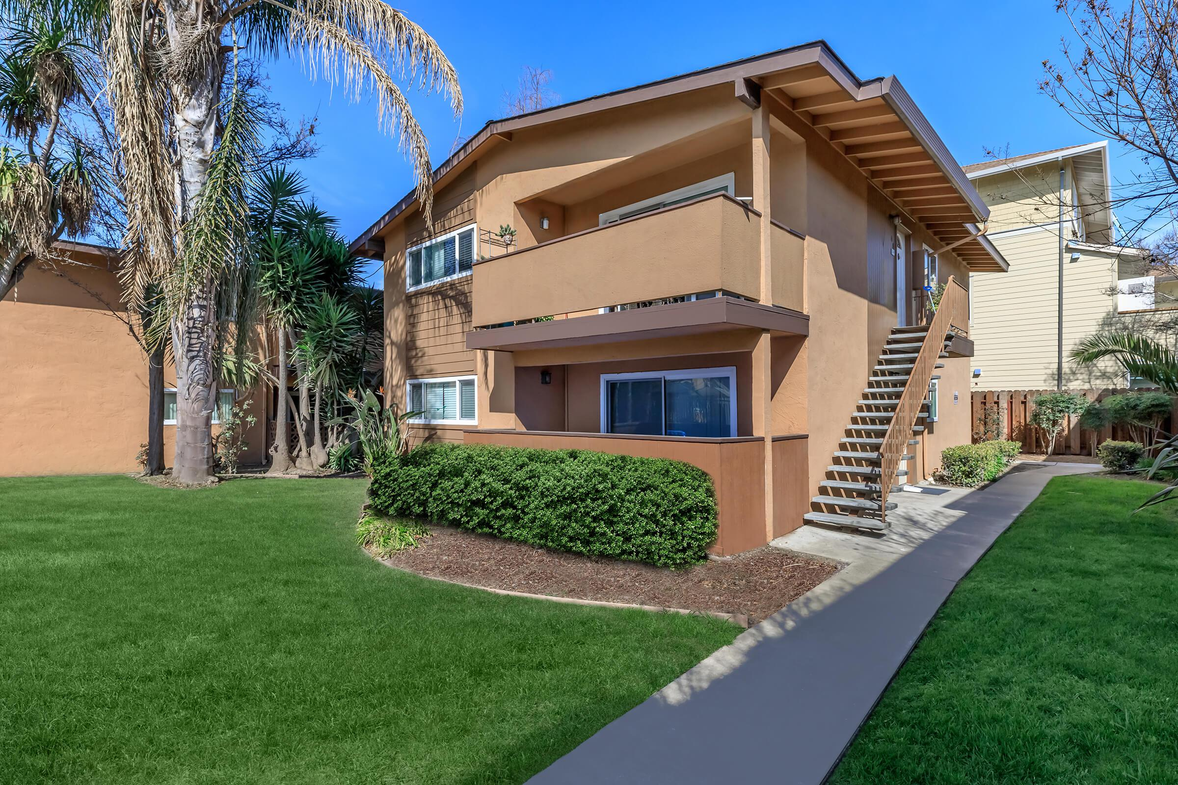 Landscaping at Ladera Woodsin Fremont CA