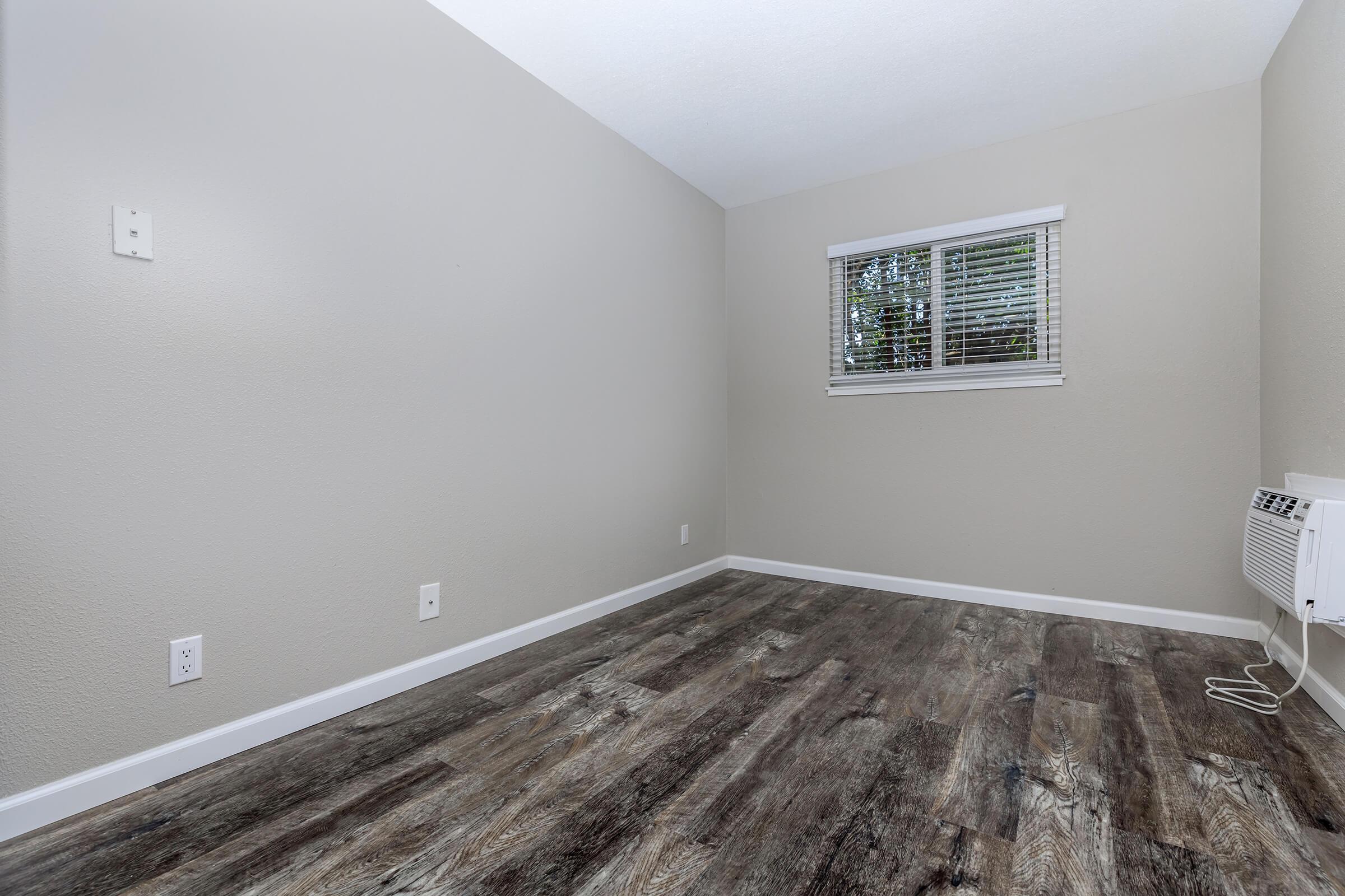 Room at Ladera Woodsin Fremont CA