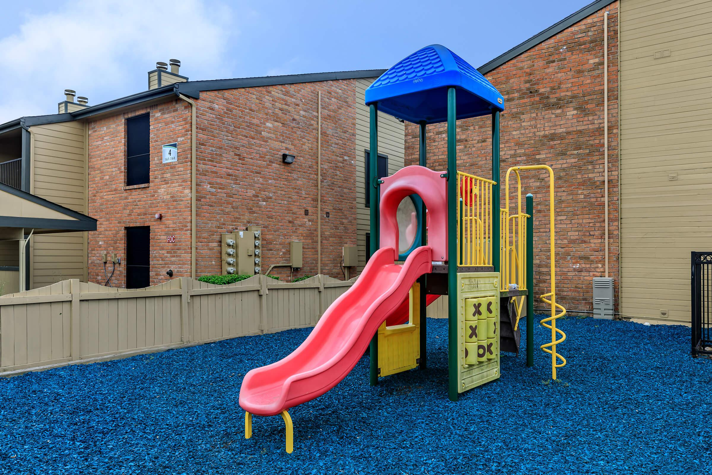 CHARMING PLAY AREA