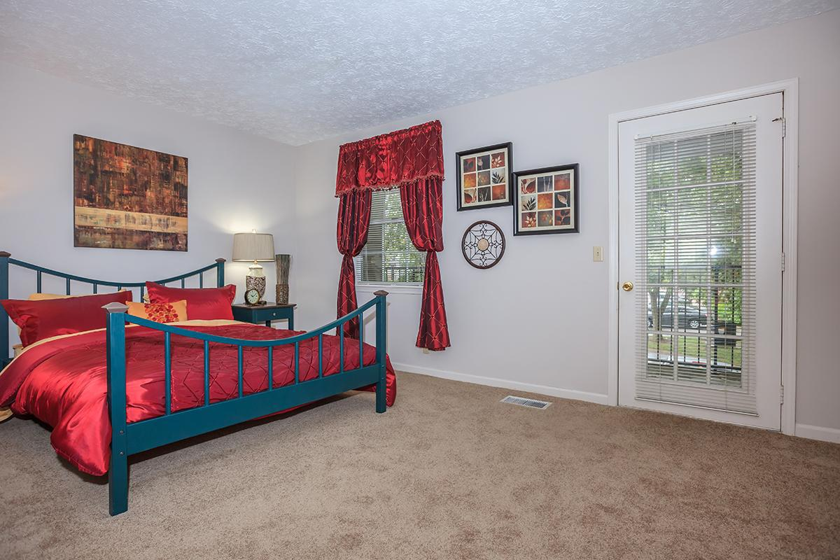 bedroom-9369086_280441.jpg