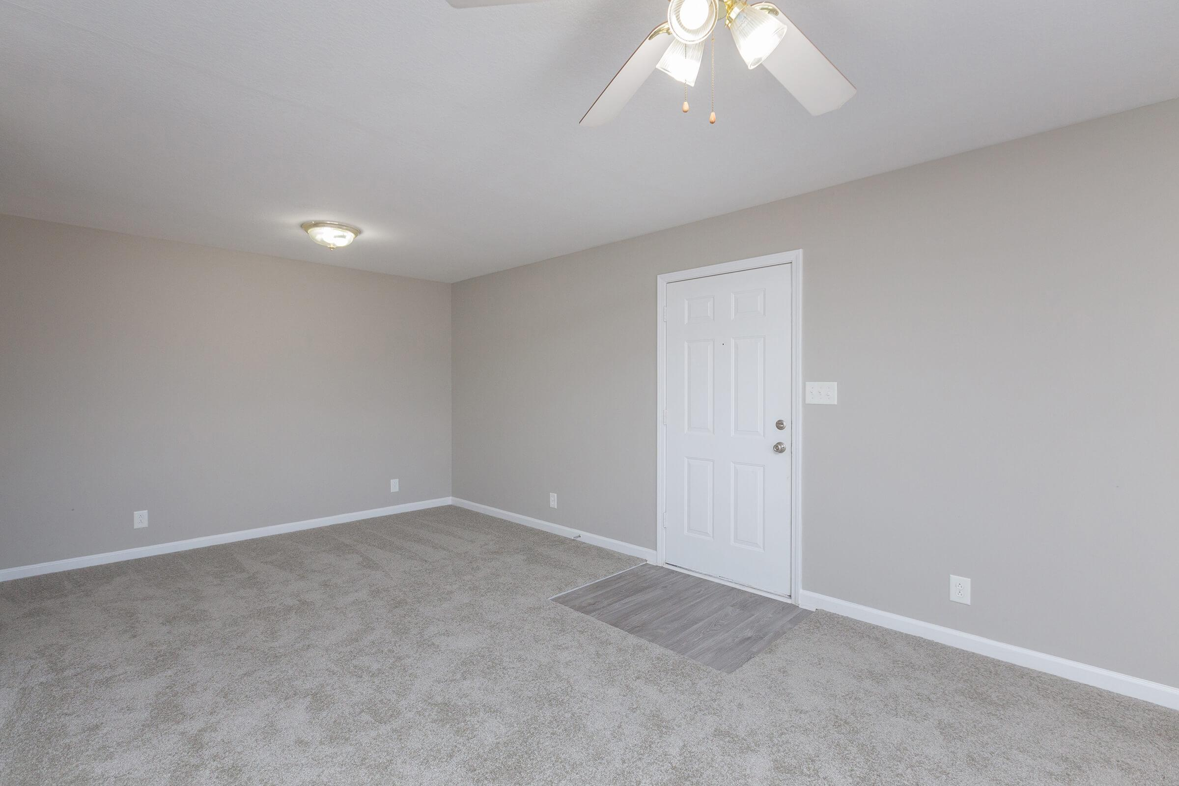 9-Foot Ceilings at Summer Trees Apartments