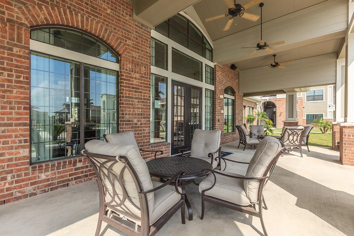RELAX AND ENJOY THE PATIO