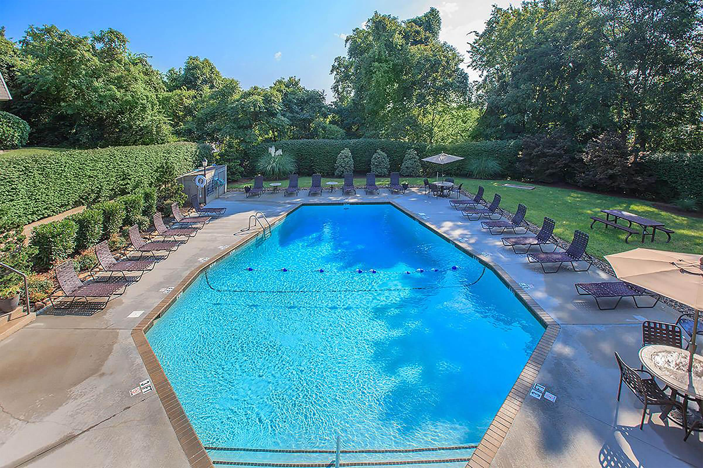 Swimming Pool at Kingston Pointe Apartments in Knoxville, Tennessee