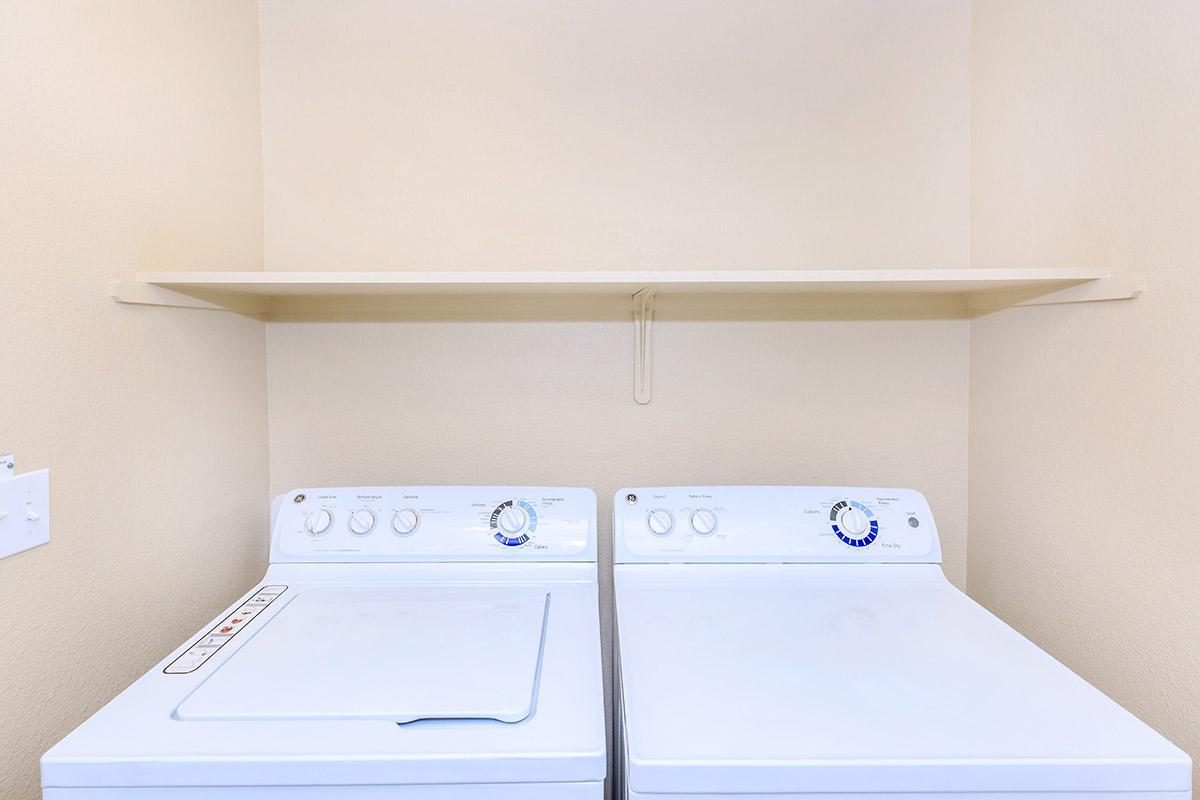 Boulder Creek has washer-dryer in home