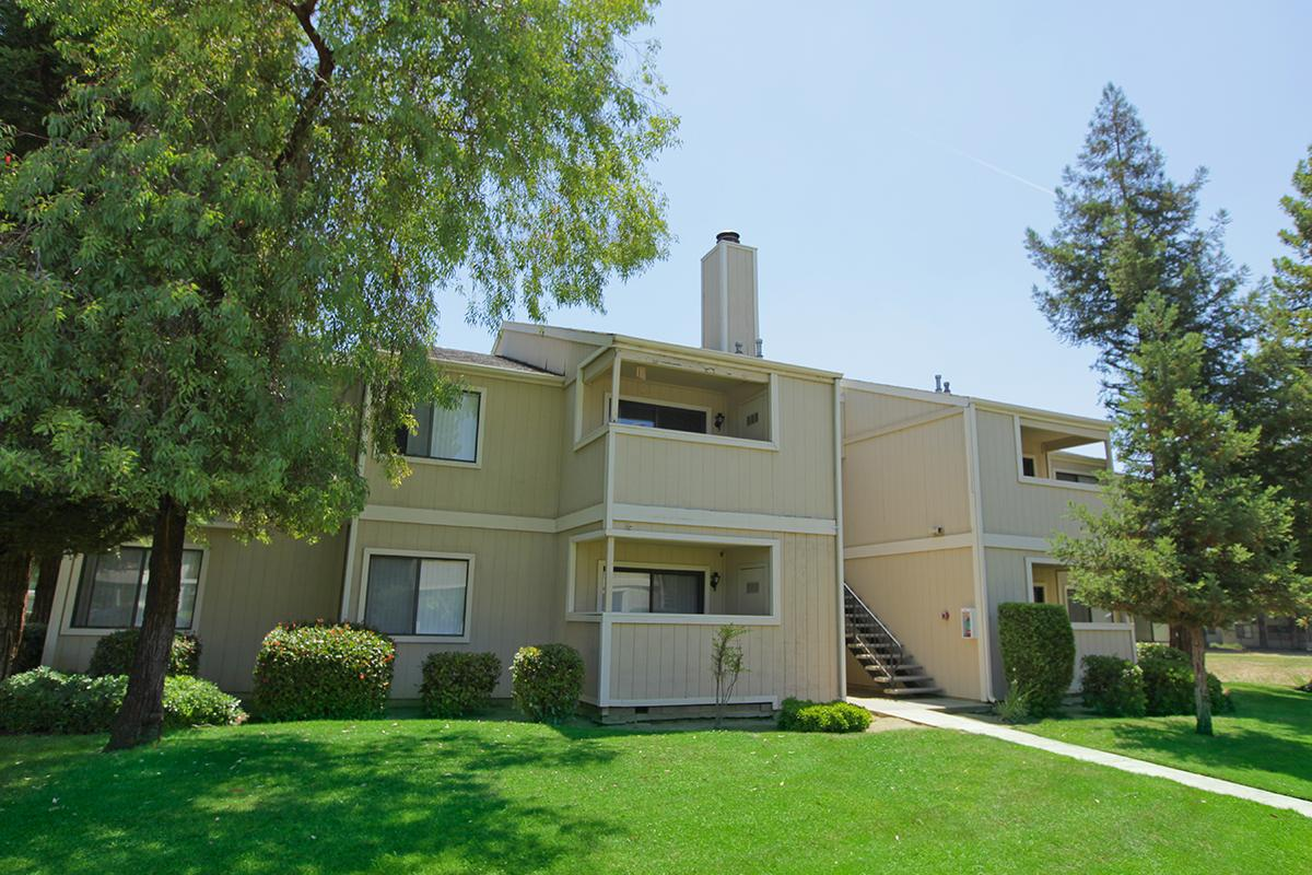 Experience the beauty of California at Lake Ridge Apartments