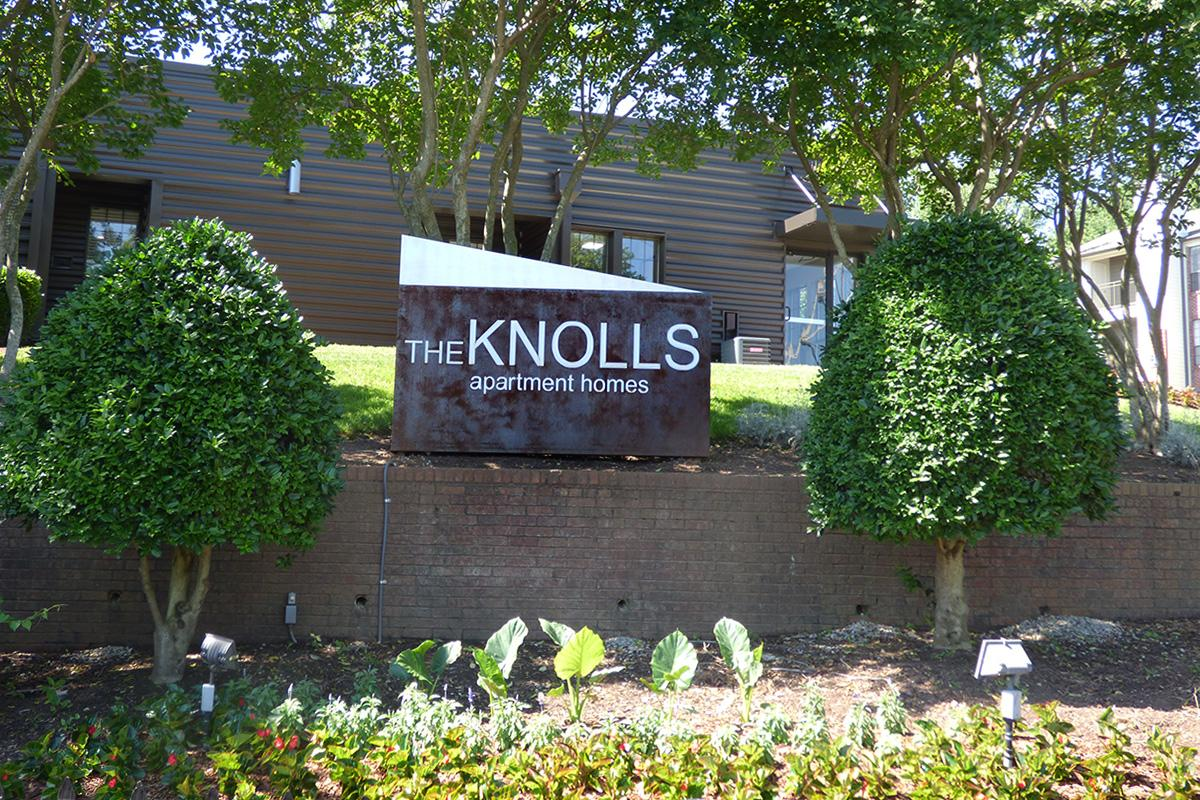 Knolls Office Sign Pic.JPG