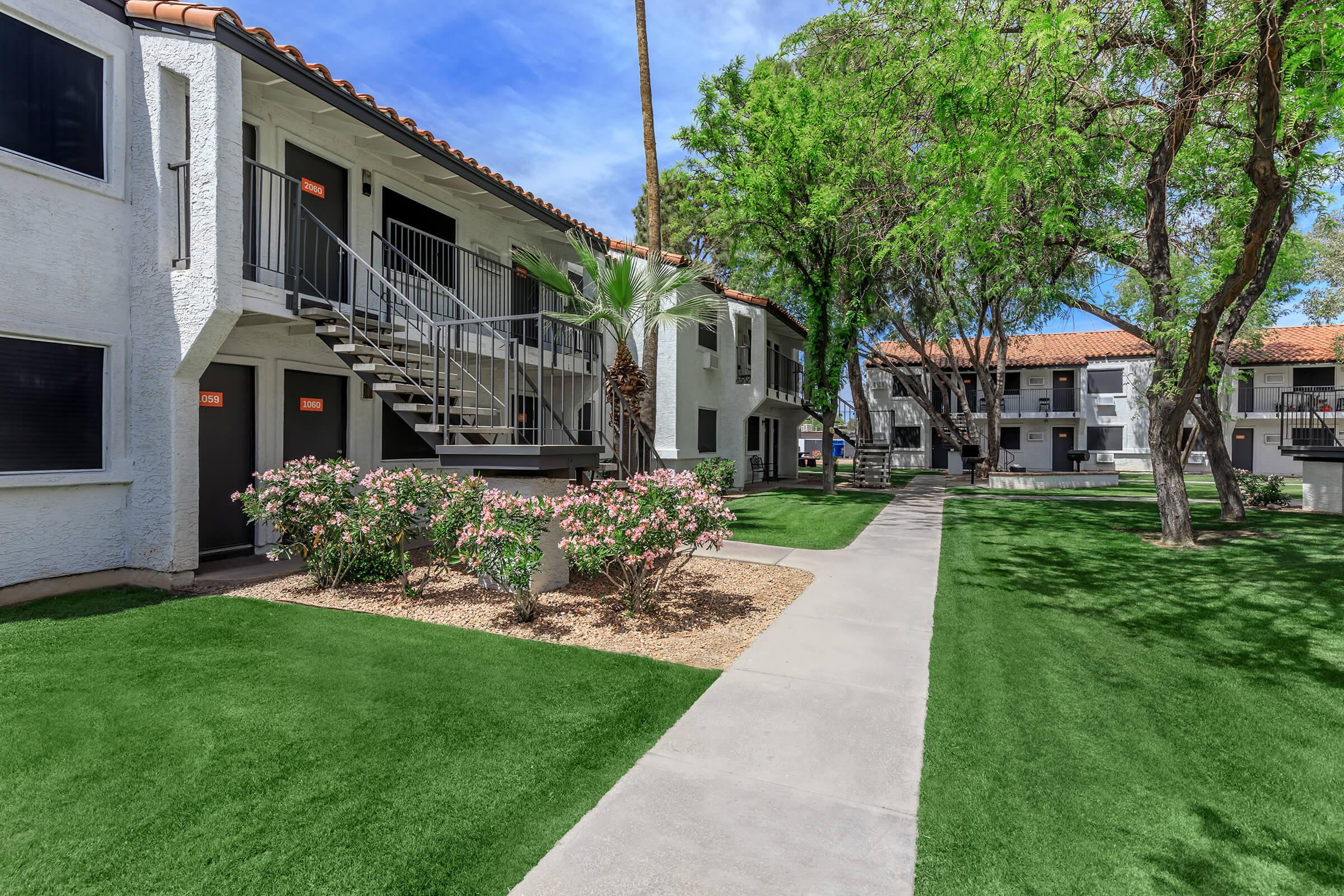 YOUR NEW TIDES AT DOWNTOWN CHANDLER APARTMENT IN CHANDLER, AZ AWAITS