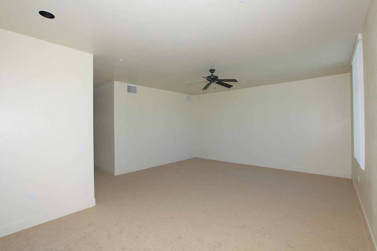 ECHELON AT CENTENNIAL HILLS IN LAS VEGAS HAS CEILING FANS AND PLUSH CARPETING