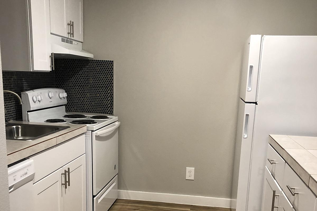 one bed kitchen 2.jpg