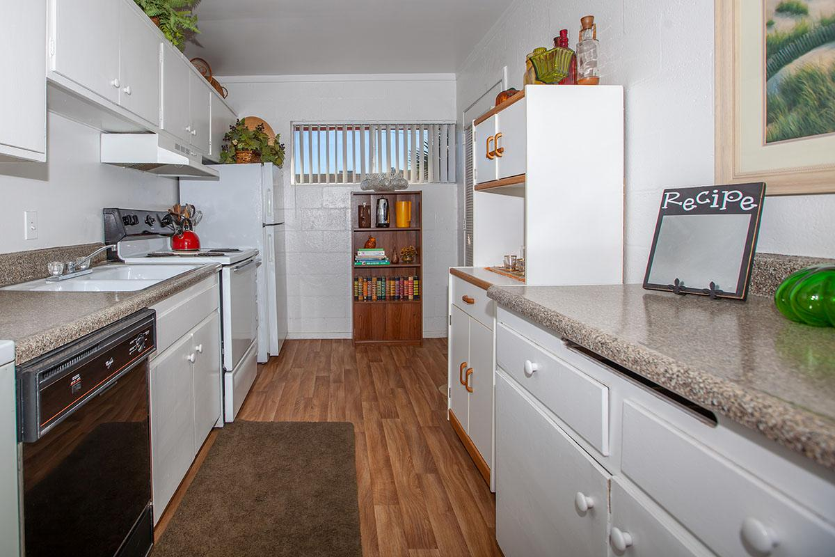 UTILIZE THE KITCHEN AT THE PALMS APARTMENTS IN LAS VEGAS