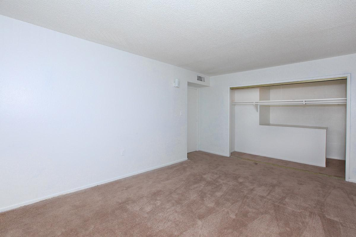 SPACIOUS CLOSETS AT THE PALMS APARTNMENTS IN LAS VEGAS